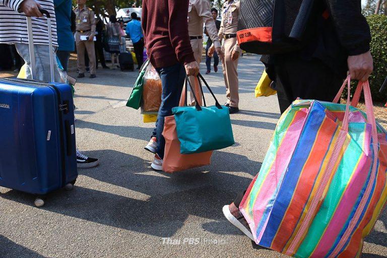 137 คนไทยจากอู่ฮั่นได้กลับบ้าน หลังไม่พบเชื้อ COVID-19 | อาคารรับรองสัตหีบ | 19 ก.พ. 63