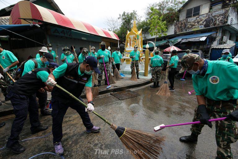 กรมอุทยานแห่งชาติฯ นำทีมลงพื้นที่ทำความสะอาดตามแผนป้องกัน COVID-19   ตลาดศรีสมรัตน์   20 มี.ค. 63
