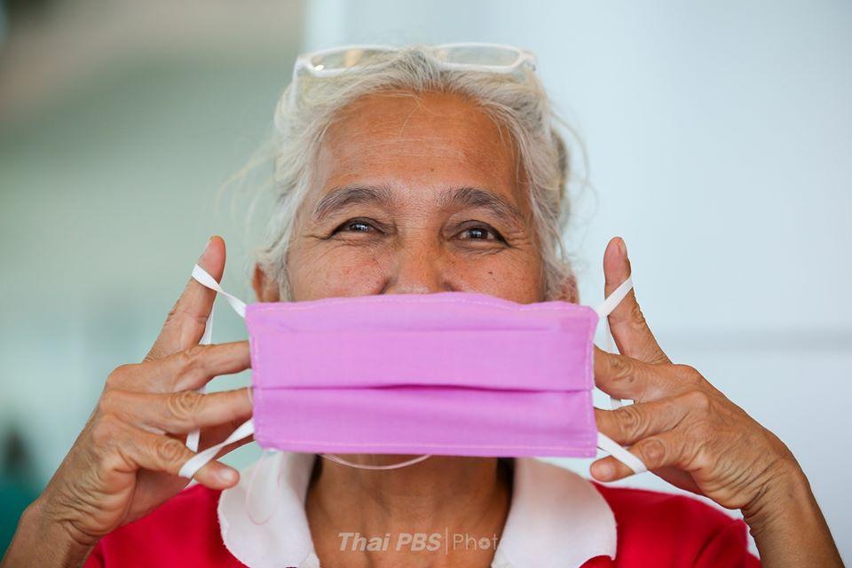 พม.อาสา ร่วมทำหน้ากากผ้า สู้ไวรัสโควิด-19 | 12 มี.ค. 63