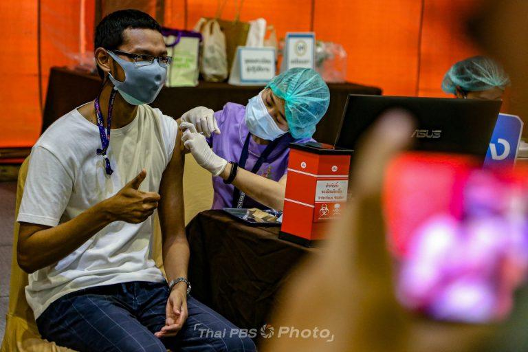 นายกฯ ตรวจเยี่ยมจุดฉีดวัคซีนโควิด-19 เขตจตุจักร | 12 พ.ค. 64